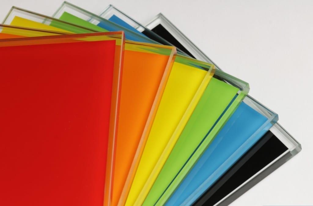 Защо да изберем цветно стъкло (лакобел)