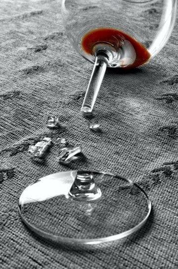 Как да почистим след като счупим стъкло
