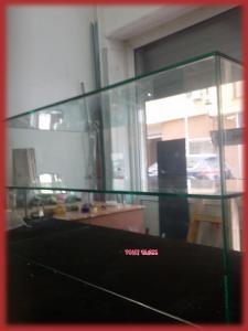 стъклена витринна кутия