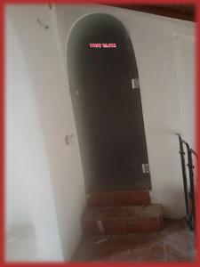 Стъклена матова врата